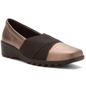 JOSEF SEIBEL~CARREE III~Bronze Wedge Loafer~8.5/9